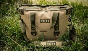 yeti hopper field tan